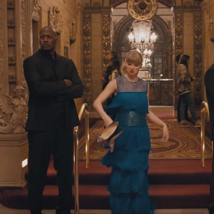 Taylor Swift throws away herstudded Christian Louboutin 'Keopump' pumps
