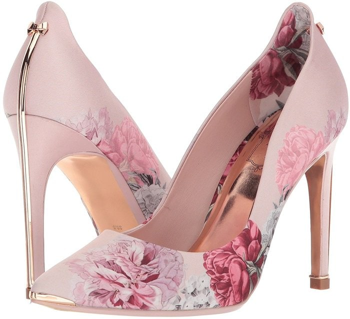 These prettily printed pumps show off striking pointed toes and slender stiletto heels that stamp out formal footwear dilemmas in a flash