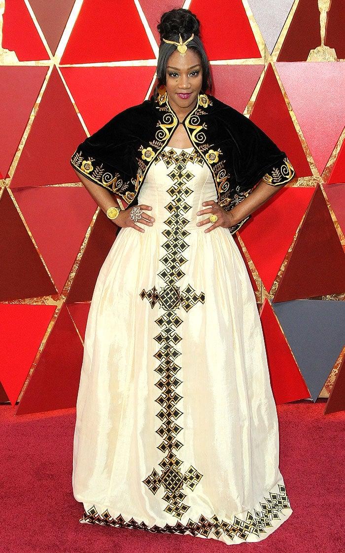 Tiffany Haddish in an Eritrean dress at the 2018 Oscars.