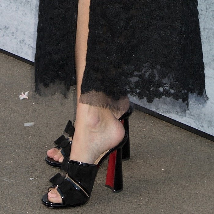 Alexa Chung showing off her sexy feet in Miss Daisy heels