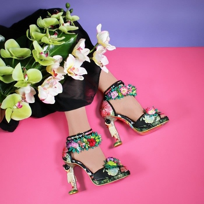 f8a6c89ec38 32 Bizarre and Crazy Shoes You Must See to Believe