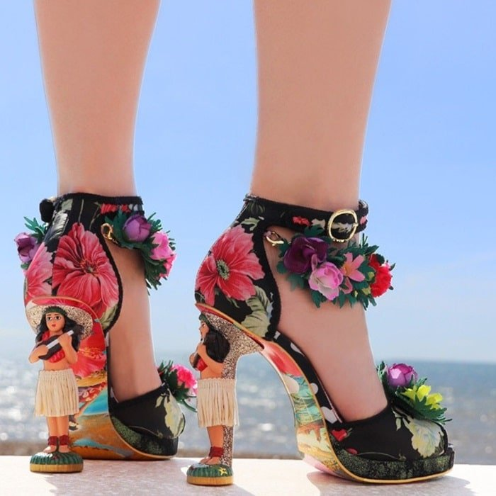 Get ready to hula dance in these spectacular Hawaiian themed dream character heels