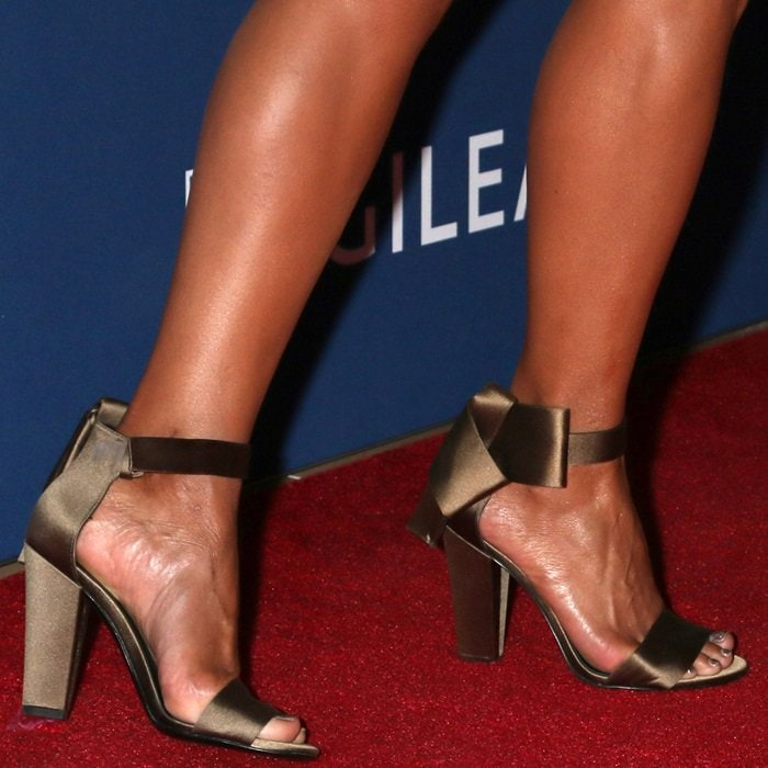 Halle Berry's feet in Stella Luna 'Flat Bow' sandals