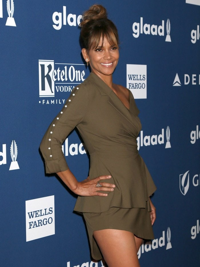 Halle Berry In Drab Adeam Dress And Stella Luna Flat Bow