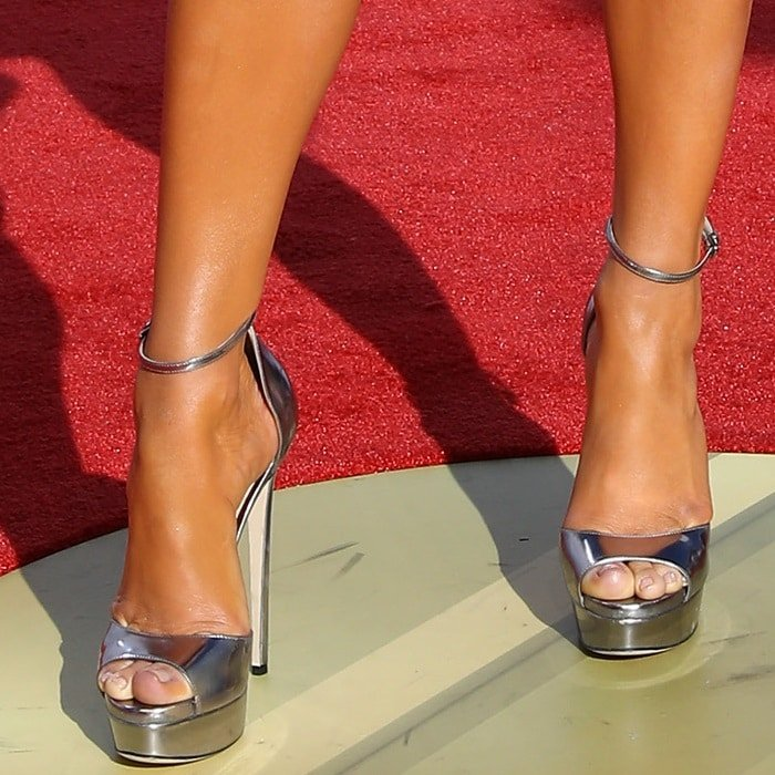 Jennifer Lopez showing off her feet in  metallic 'Max' heels