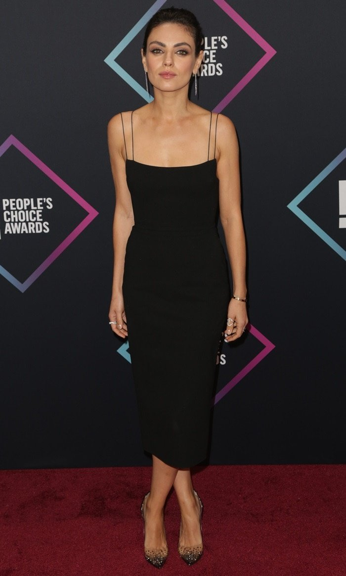 Mila Kunis flaunts her sexy legs inAlex Perry's 'Gabrielle Portrait Lady' dress