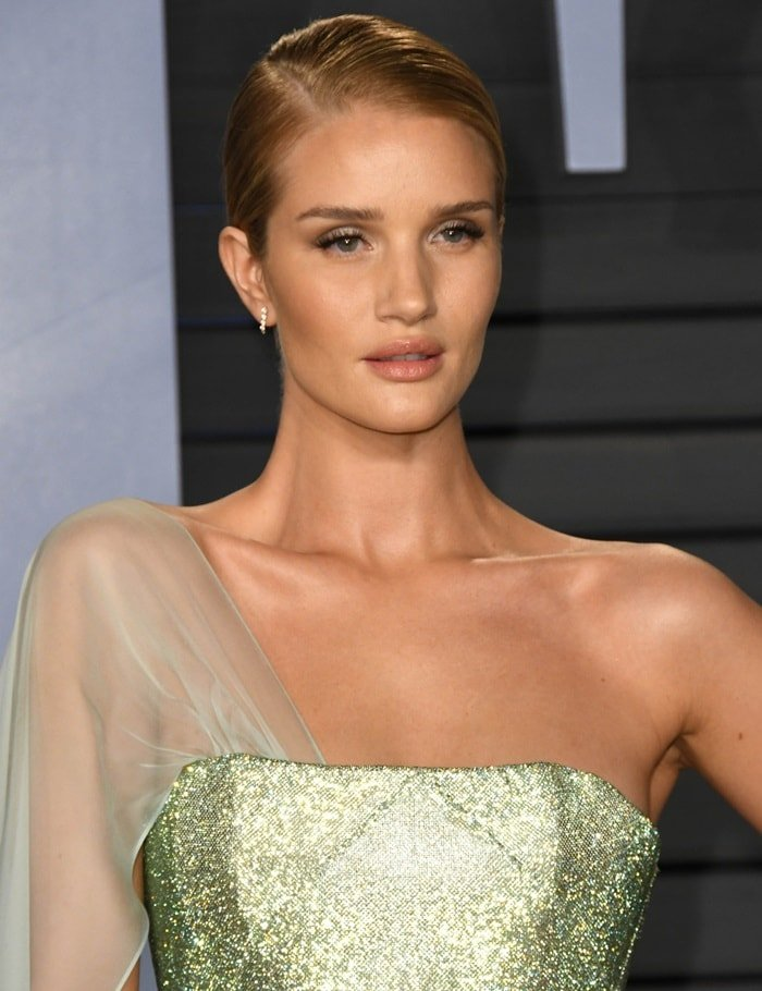 Rosie Huntington-Whiteley'sstrapless Ralph & Russo Spring 2018 Couture gown