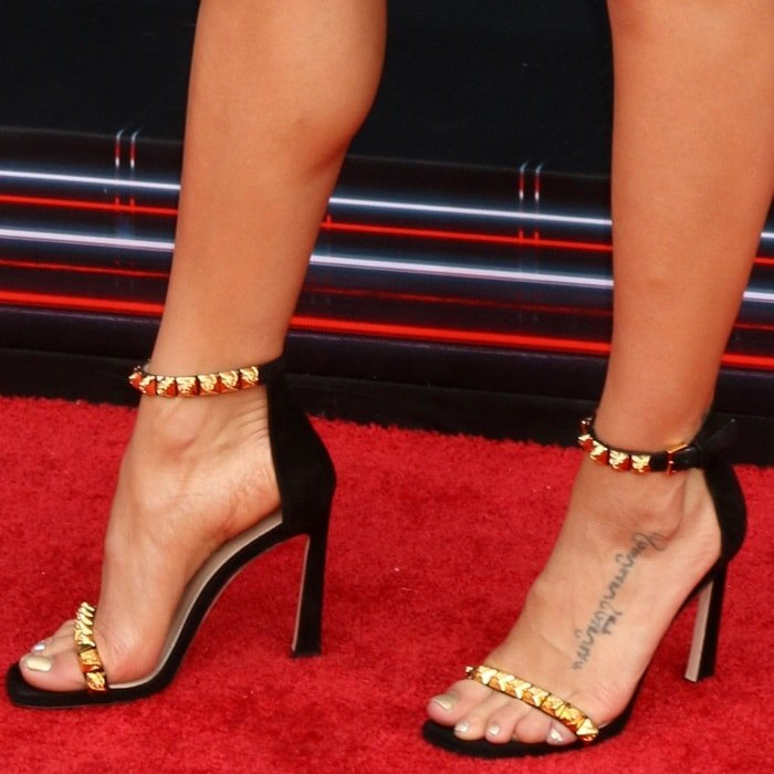 Rosist Studded Glossed Leather Sandals Worn By Jenna Dewan