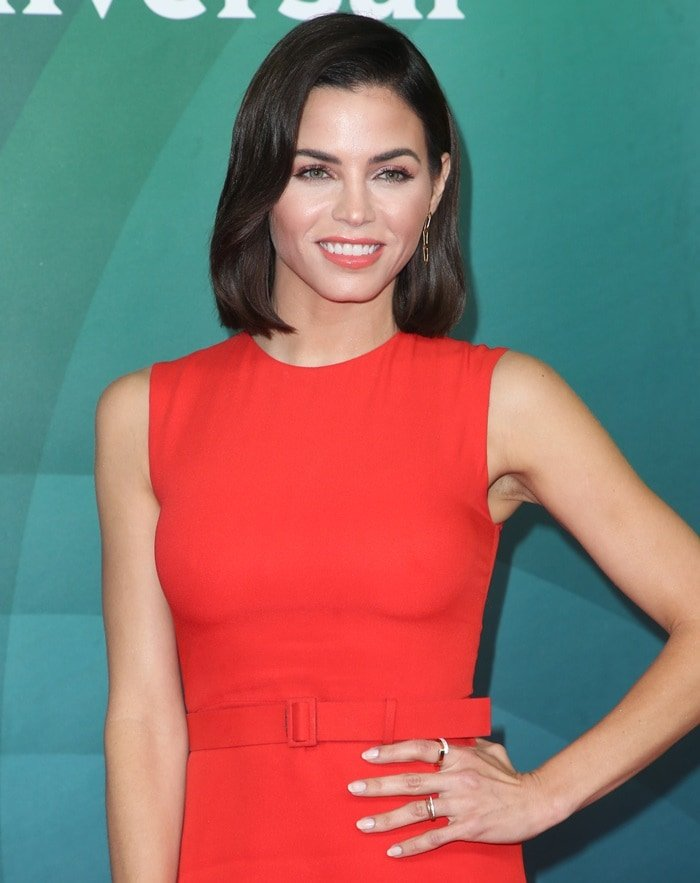 Jenna Dewan showing off her Vita Fede jewelry