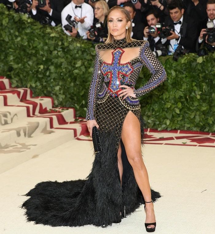 Jennifer Lopezrevealed plenty of leg—and thigh