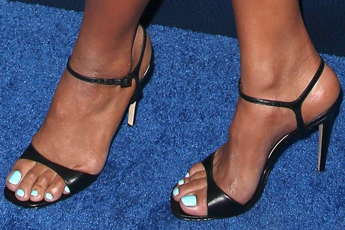 Jordin Sparks' feet in Schutz Jade black-leather ankle-strap sandals