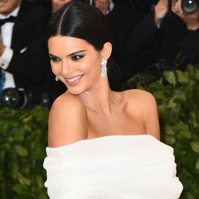 Kendall Jenner'sTiffany & Co. diamond earrings
