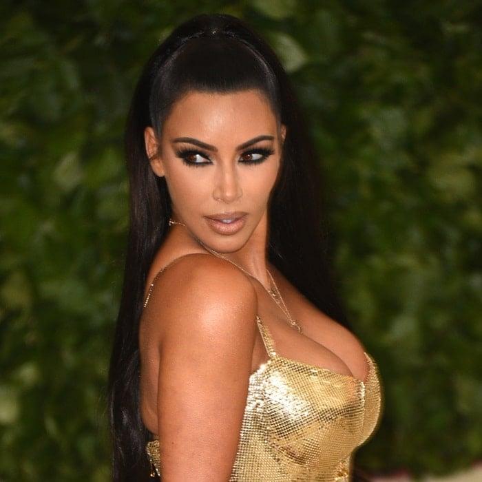 Kim Kardashian wearingLorraine Schwartz jewelryat the 2018 Met Gala