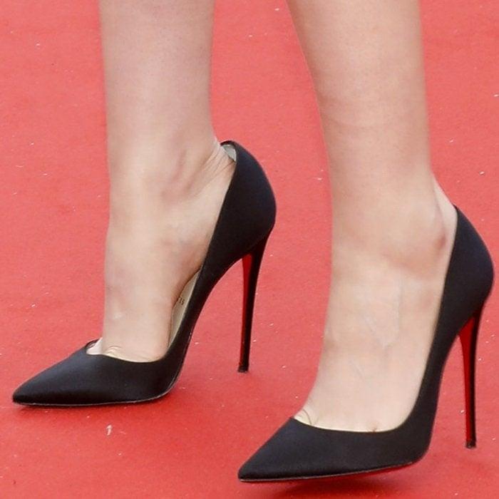 Kristen Stewart really hates wearing uncomfortable Christian Louboutin heels