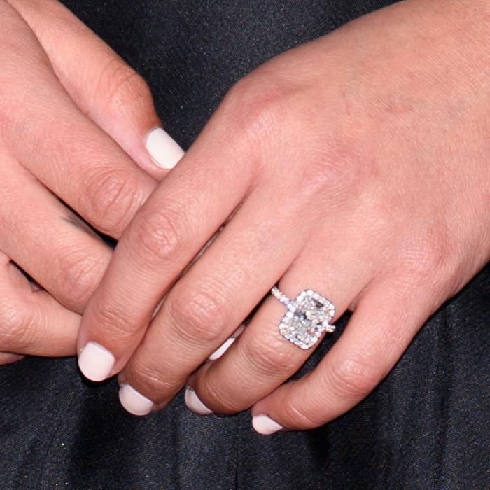 Lea Michele's4-carat diamond engagement ring