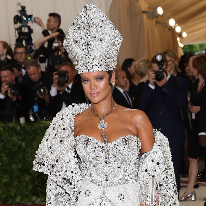Rihanna gave off major Pope vibes at the 2018 Met Gala