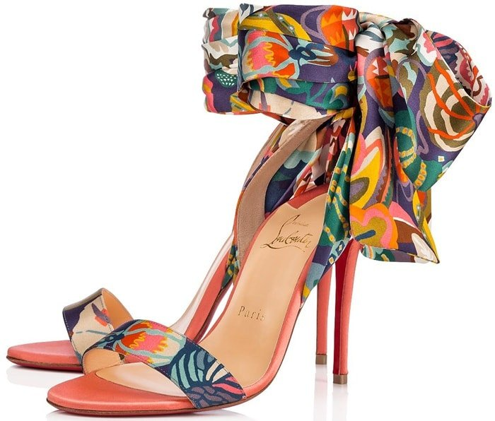This sandal is a show of refined elegance with a magnificent satin ankle scarf
