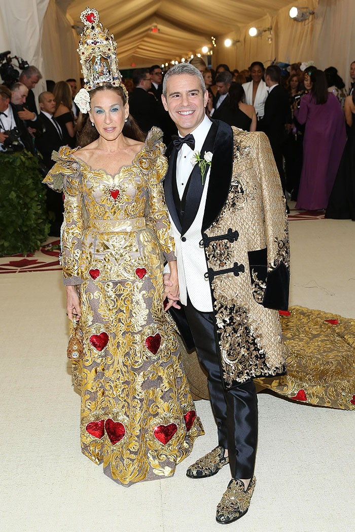 Sarah Jessica Parker and Andy Cohen dressed in Dolce & Gabbana at the 2018 Met Gala.