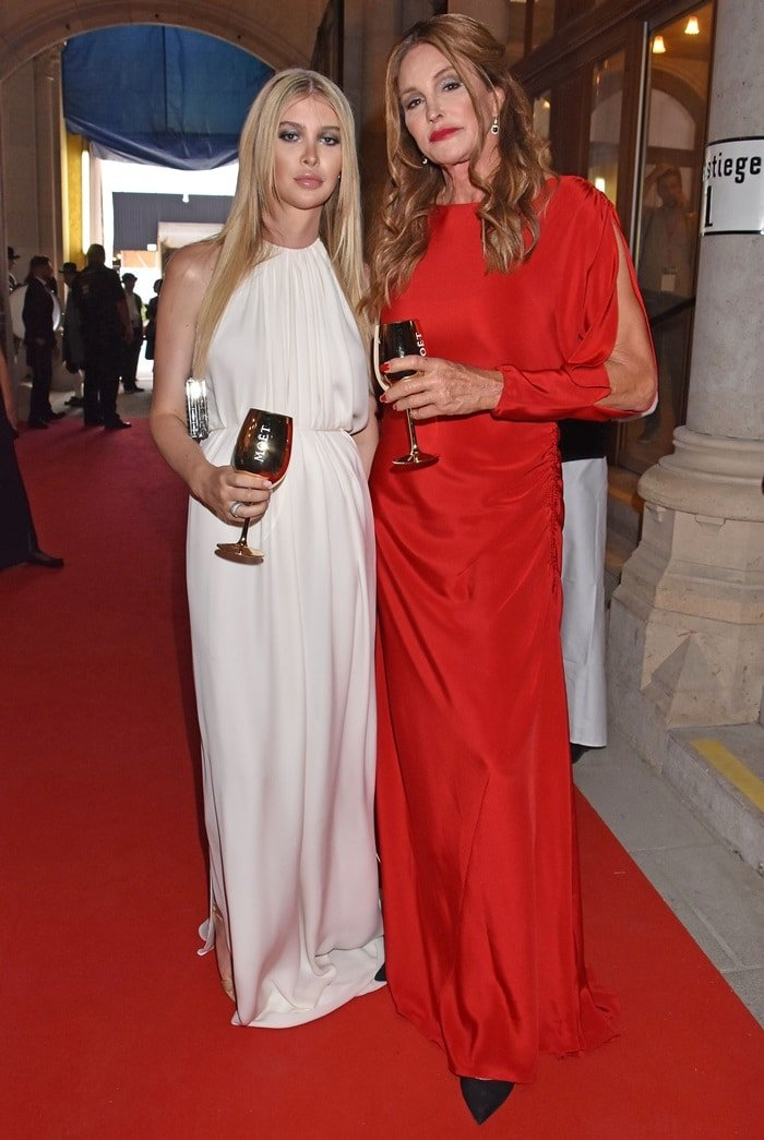 Caitlyn Jenner is rumored to be datingSophia Hutchins,a 21-year-old college student and transgender model