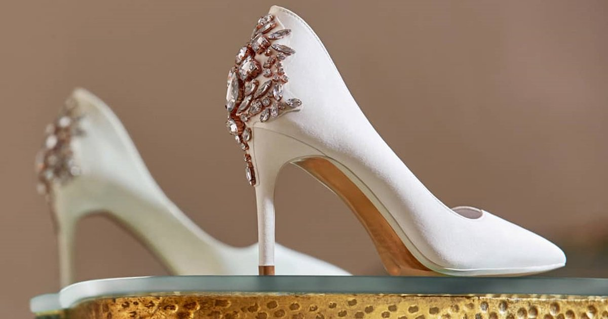 5339ddff872197 Update Your Contemporary Look With Glamorous Finoula Pointed-Toe Pumps