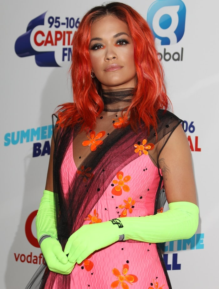 Rita Ora's highlighter yellow gloves
