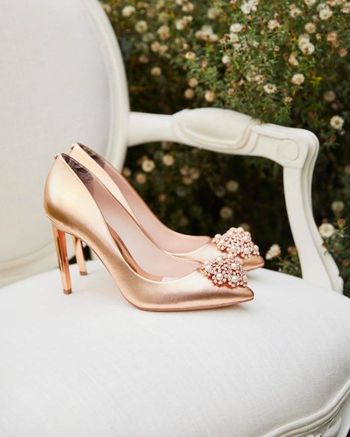 'Peetch' Brooch Detail Pumps