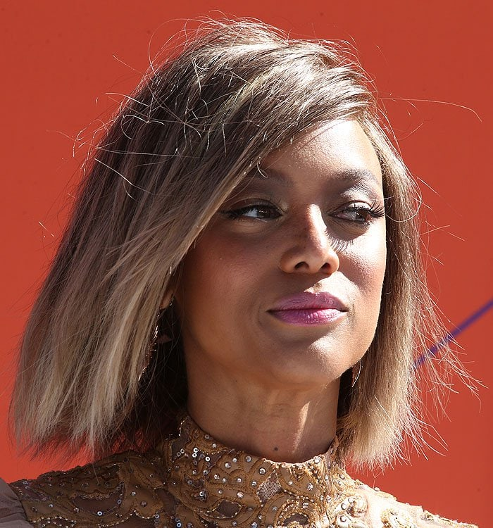 Tyra Banks' honey-hued blunt bob
