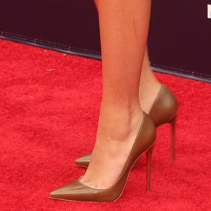 Zendaya showing toe cleavage in 'So Kate' pointy-toe stiletto pumps
