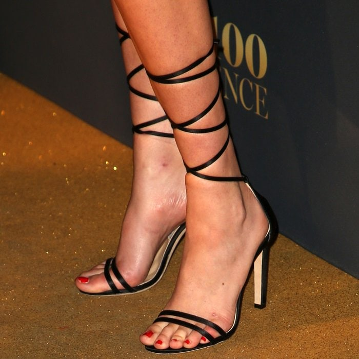 Kate Upton's sexy feet in Jimmy Choo sandals
