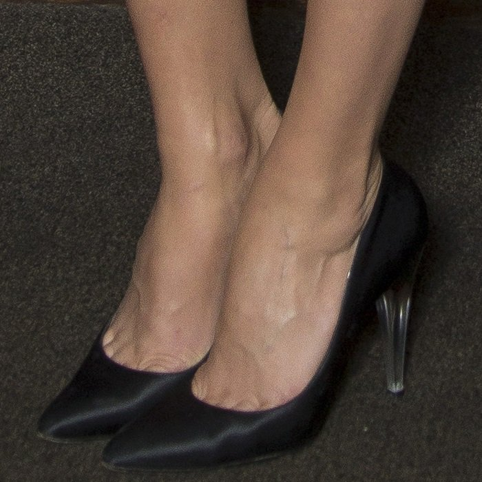 Margot Robbie showing toe cleavage in Chanel satin pumps with Lucite heels