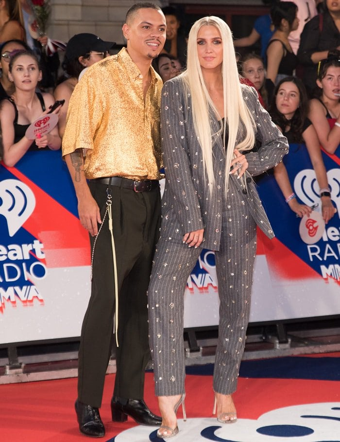 Ashlee Simpson posing alongside her husband Evan Ross while hitting the red carpet at the 2018 iHeartRADIO MuchMusic Video Awards at MuchMusic HQ in Toronto, Canada, on August 26, 2018