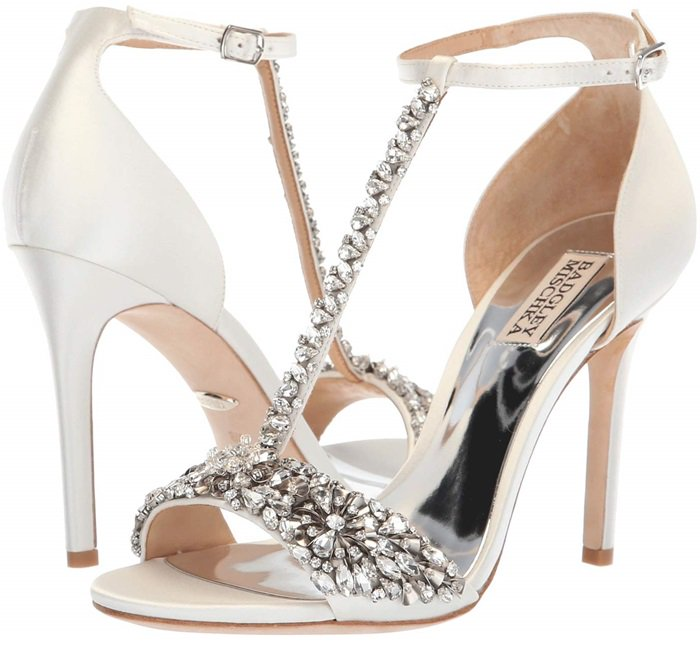 It's your big day, don't let anything stand in your way with this gorgeous wedding sandal