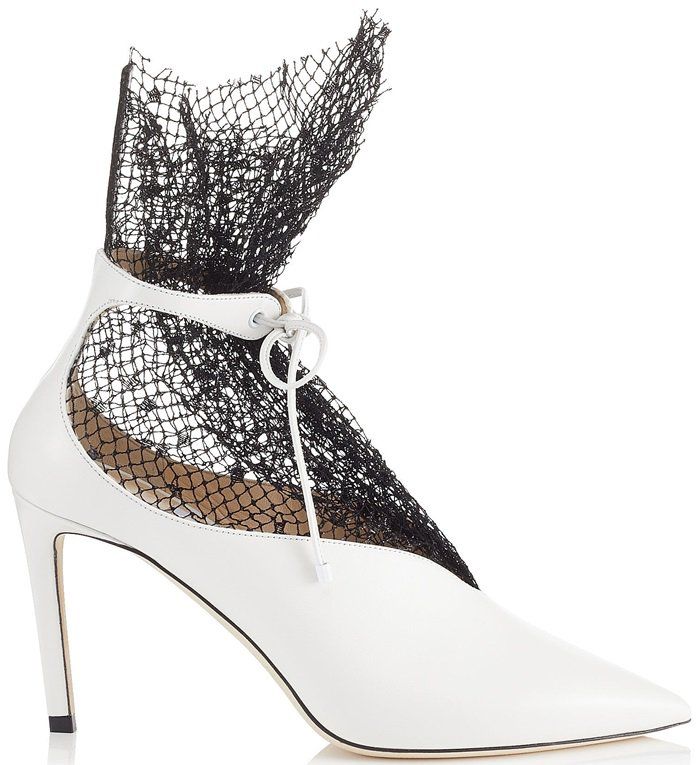 This pump in white calf leather is the definition of a sleek and sexy bootie