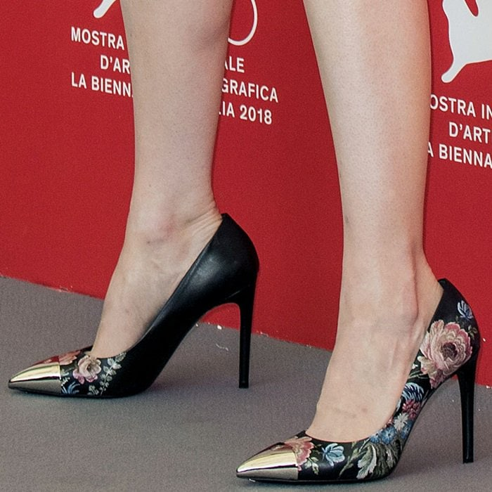 Emma Stone's floral pointy-toe pumps