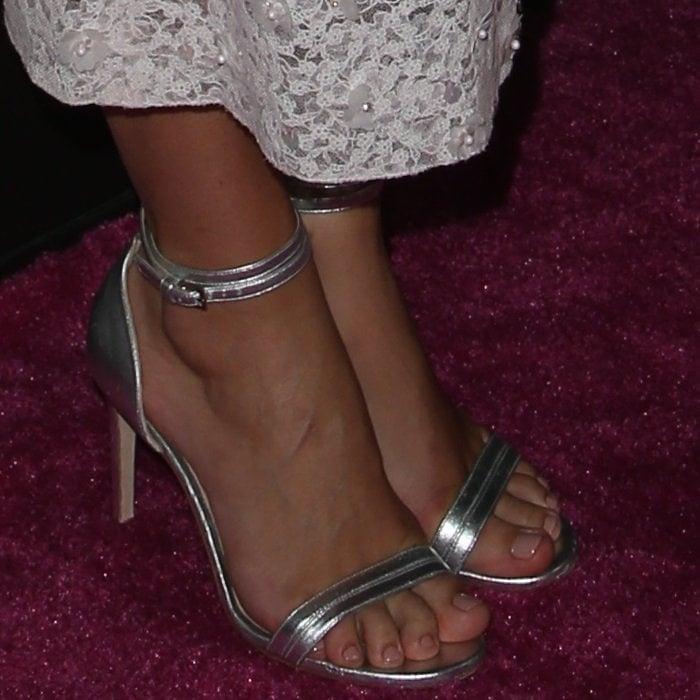 Keira Knightley shows off herperfect feet inChloe Gosselin Narcissus sandals