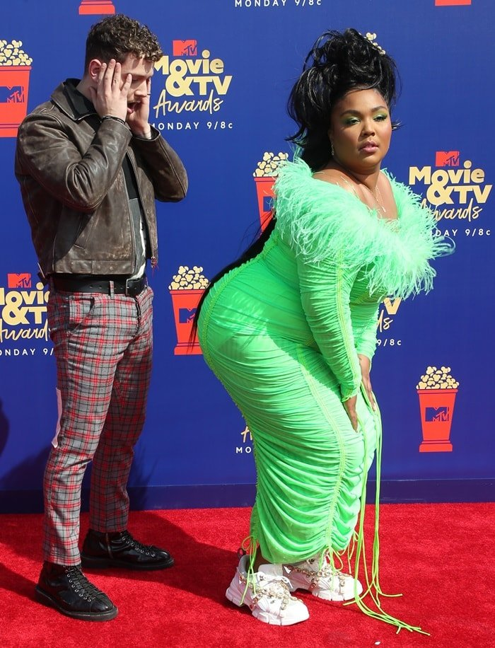 Lizzo and Bazzi having fun at the 2019 MTV Movie & TV Awards