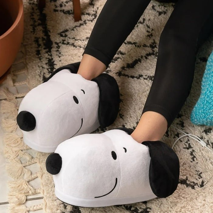 Just plug Snoopy in and your toes will be toasty and warm in no time
