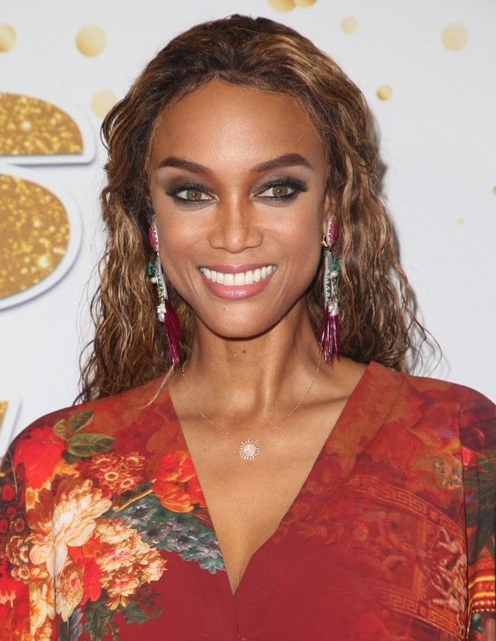 "Tyra Banks' dazzling ""Paquetà"" earrings from Ranjana Khan's Rio Collection"