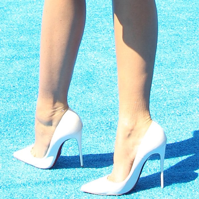Zendaya shows off her hot legs and feet