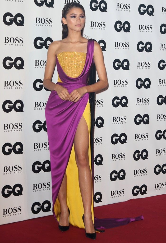 Zendaya shows off her sensational legs ina color-blocked Ralph & Russo Fall 2018 Couture dress