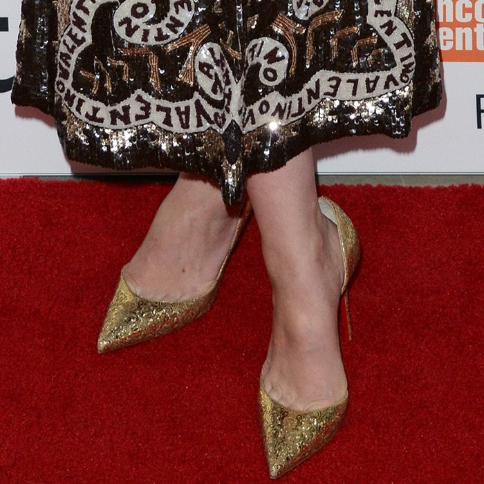Carey Mulligan shows toe cleavage in Rococo-inspired gold Iriza pumps
