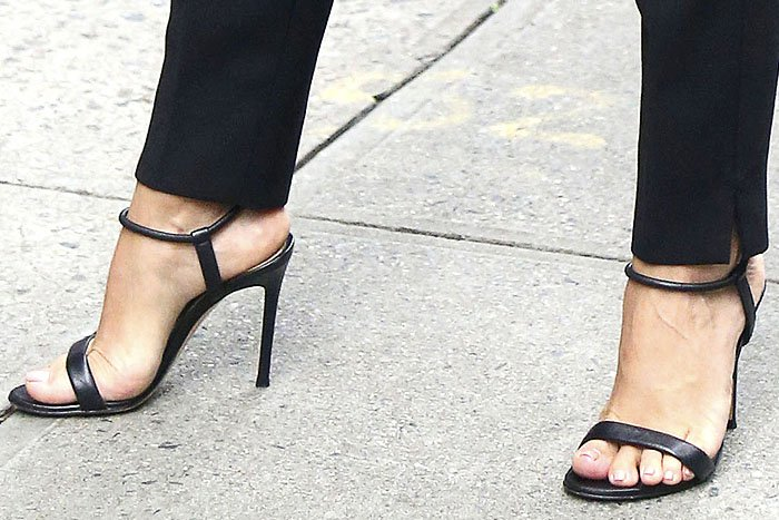 Eva Longoria's pedicured feet in Gianvito Rossi 'Jaime' sandals