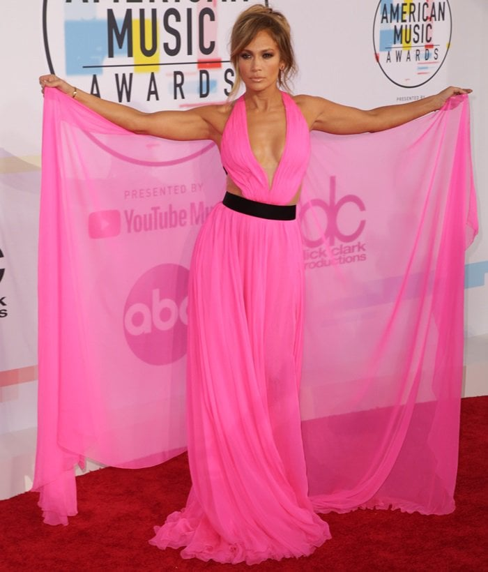 Jennifer Lopez on the red carpet at the 2018 American Music Awards at the Microsoft Theater in Los Angeles on October 9, 2018