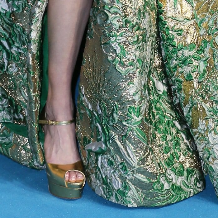 Amber Heard shows off her feet ingold Brian Atwood Tribeca sandals