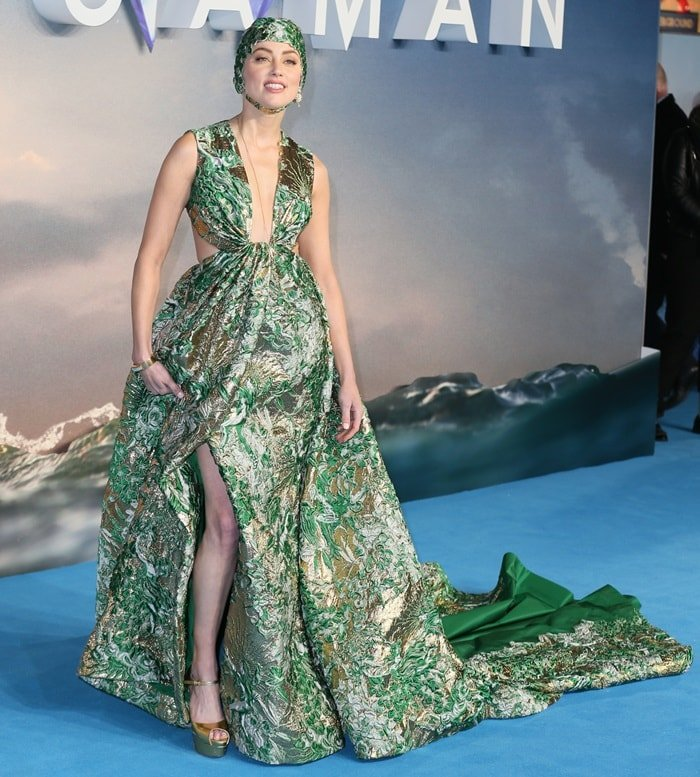 Amber Heard made a grand entrance on the blue carpet at the Aquaman world premiere at Leicester Square in London, England, on November 26, 2018
