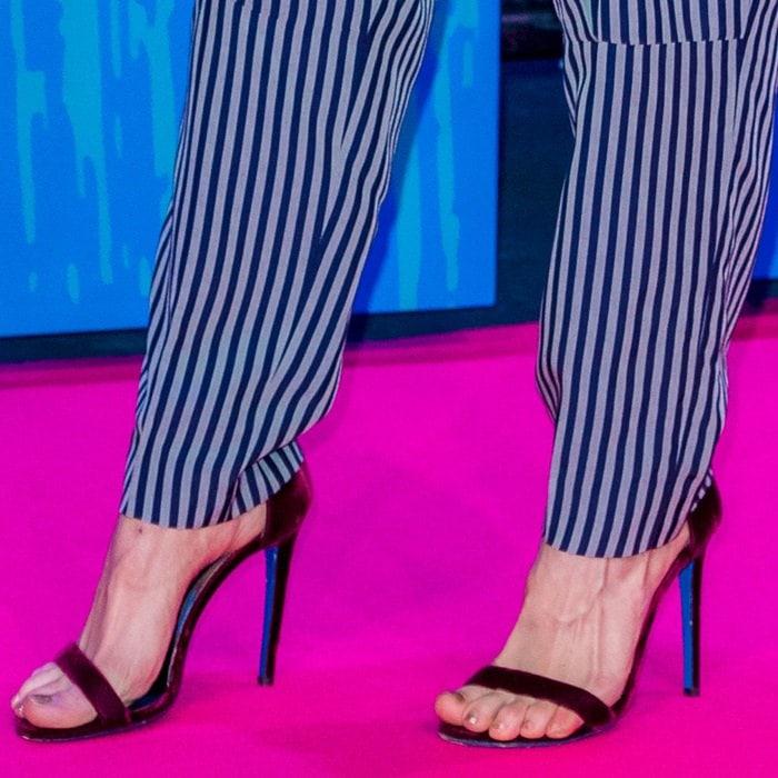 Debby Ryanshows off her feet in Loriblu sandals
