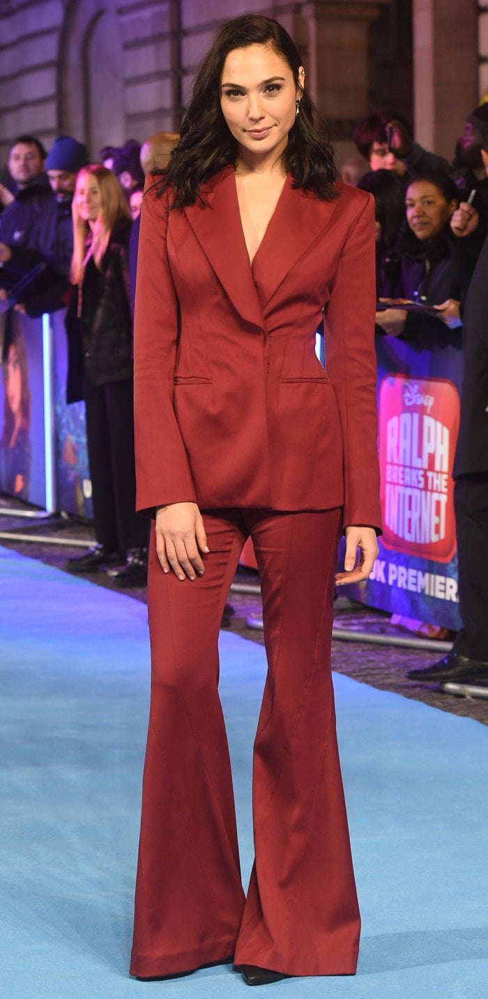 Gal Gadot wore Stuart Weitzman pumps that could not be seen due to the length of her two-piece suit