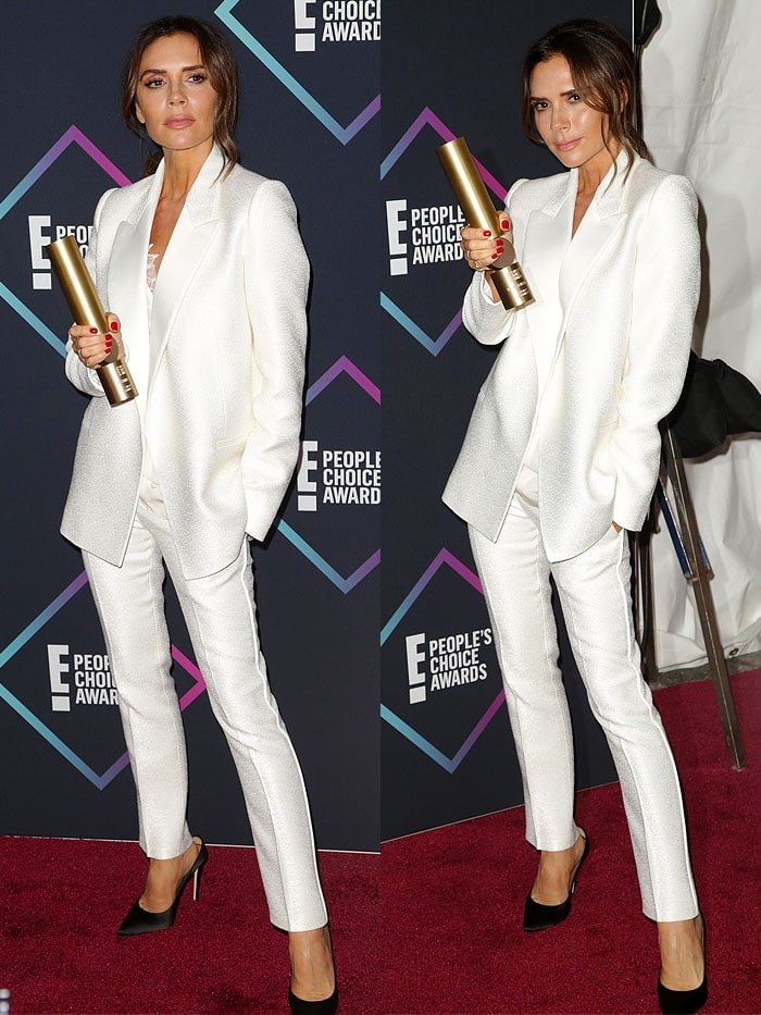 Victoria Beckham accepting her award for Fashion Icon at the 2018 People's Choice Awards at Barker Hangar in Santa Monica, California, on November 11, 2018