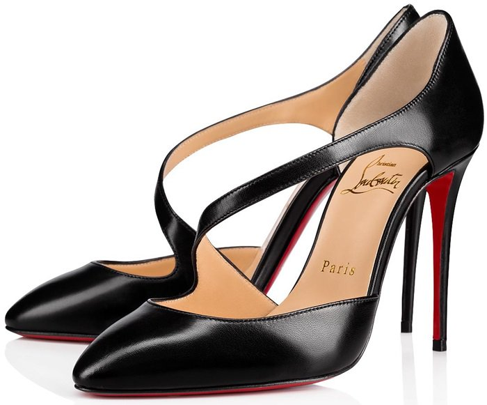 Raised on a 100mm stiletto, it reveals with each step the savoir-faire of the Louboutin House