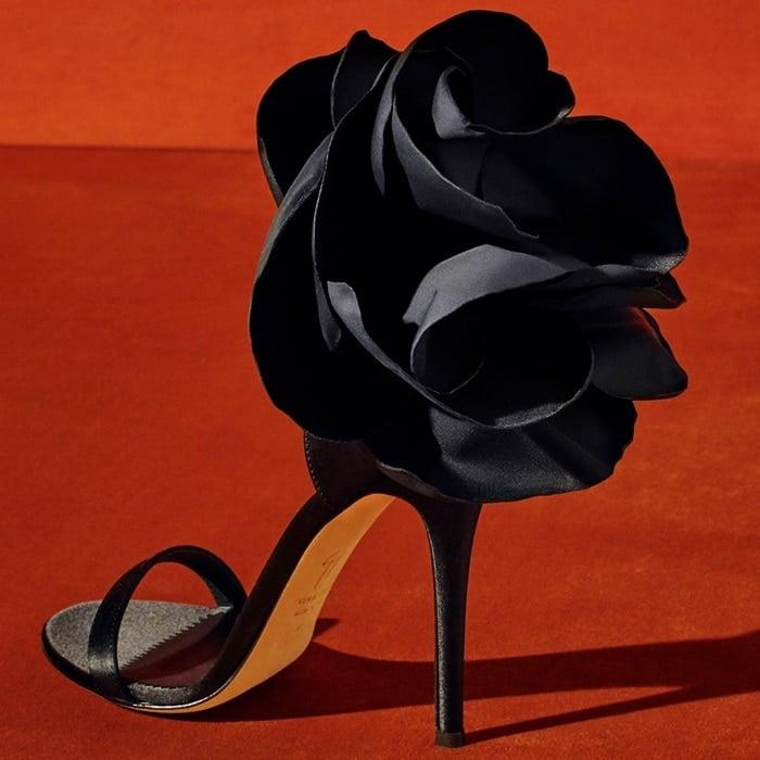 GIUSEPPE ZANOTTI DESIGN peony appliqué sandals